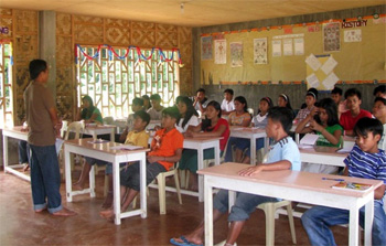 One of the classes at the Alcadev school in Surigao del Sur. (Photo by Dee Ayroso / bulatlat.com)