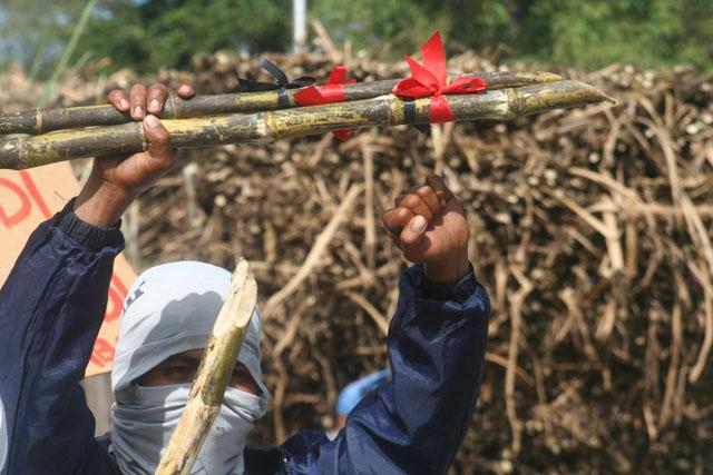 Sugar worker hurt in ambush in Negros