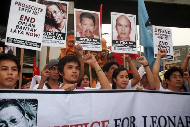 conclusion of hacienda luisita Massacre of sugar plantation workers in the philippines protesters at hacienda luisita in front of banner of the ambala peasant organization photo: manila indymedia.