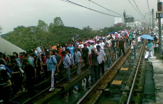 Probe MRT3 breakdowns, suspend new deals – Bayan Muna