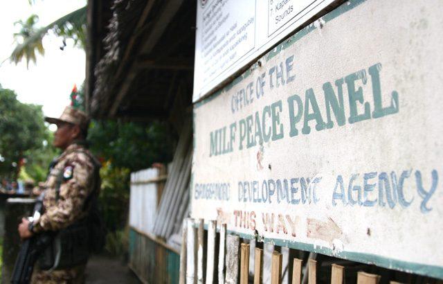 Aquino, US government blamed for Maguindanao clash