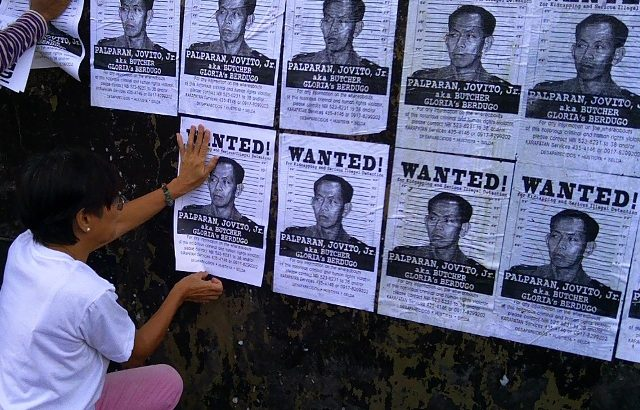Groups hold Aquino liable as Palparan remains free