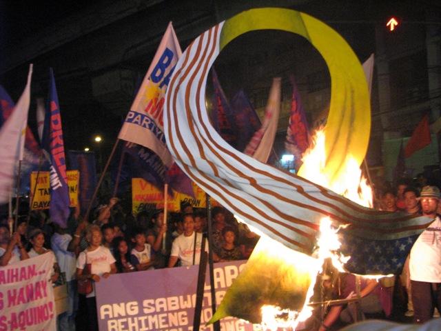 Women slam Aquino's inaction on price hikes