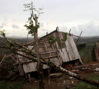 Slideshow: Groups hold relief mission for victims of typhoon Pablo in Surigao del Sur