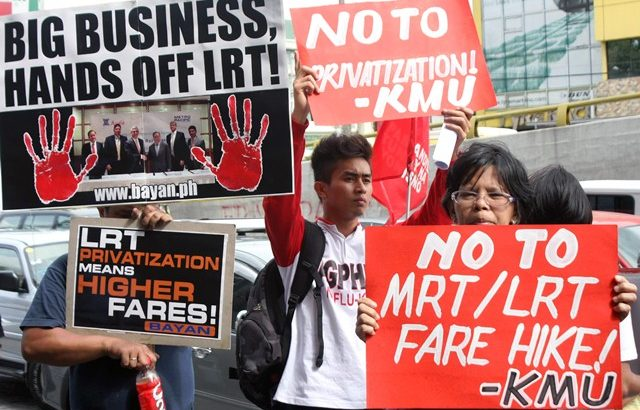 Commuters urge High Court to issue TRO vs. MRT-LRT fare hikes