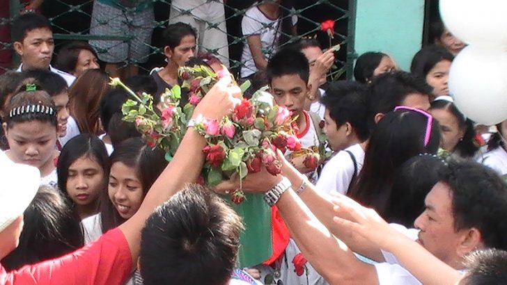 UP students pay last respects to Kristel