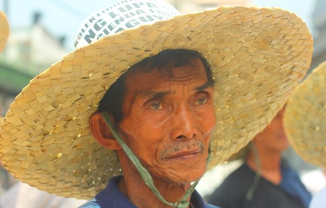 A year after SC order, Luisita farmers back in streets
