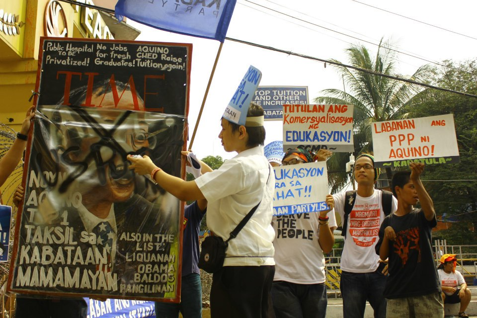Youths hit Aquino for worsening poverty, unemployment