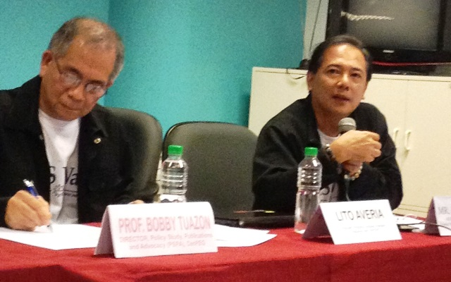 Nelson Celis, spokesman of AES Watch presents weaknesses of recent automated polls (with Bobby Tuazon of CenPEG)