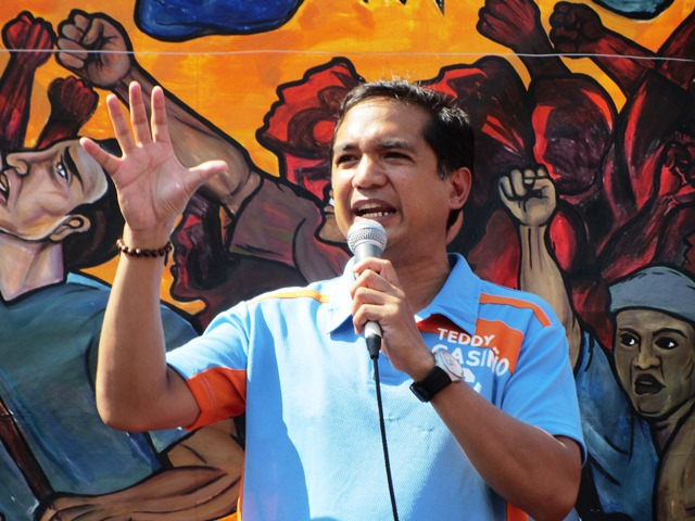 Makabayan senatorial candidate speaks at Labor Day program in Liwasang Bonifacio (Photo by M. Salamat)