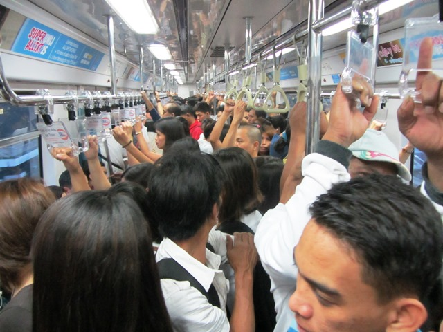 Packed LRT trains (Bulatlat File Photo)