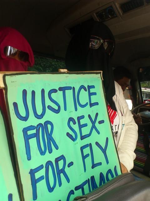 Complainants of the case against assistant labor attache Antonio Villafuerte (By J. Ellao / Bulatlat.com)