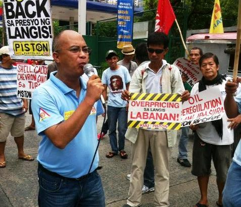 Progressive transport groups slam 'collusion' between Big Three oil companies and President Aquino