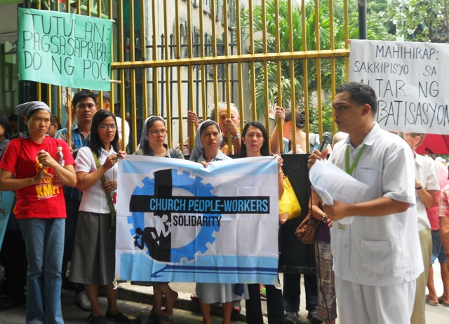 The religious groups picket outside the Philippine Orthopedic Center in Banawe, Quezon City to show their support to the patients and health workers who will be affected by the modernization project of the Orthopedic Hospital. (Photo by Anne Marxze D. Umil/Bulatlat.com)