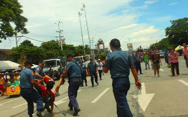 9 nabbed, scores wounded in anti-SONA protest