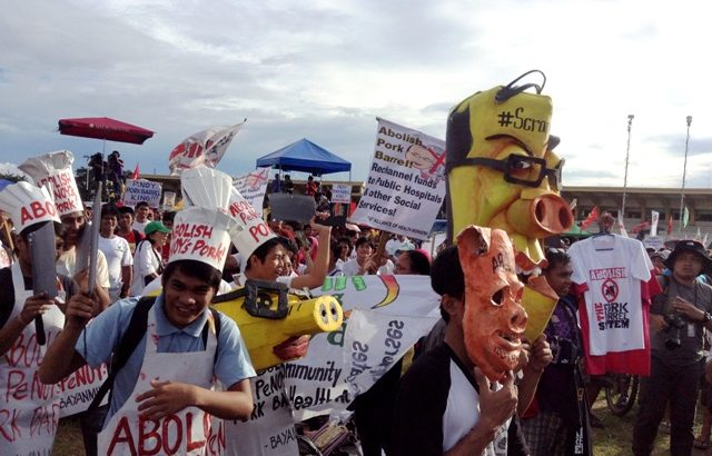 Protest vs pork progresses from #MillionPeopleMarch to #ForwardMarch