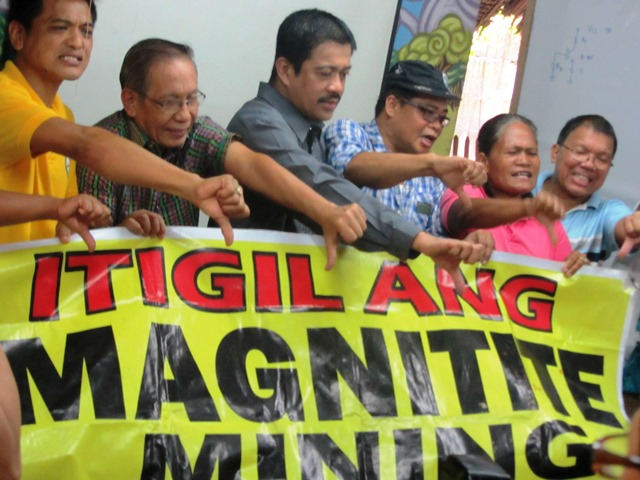 Community leaders from Cagayan join Bayan Muna Rep. Carlos Zarate and leaders of other national organizations in urging government to put an end to magnetite mining (Photo by M. Salamat / www.bulatlat.com)