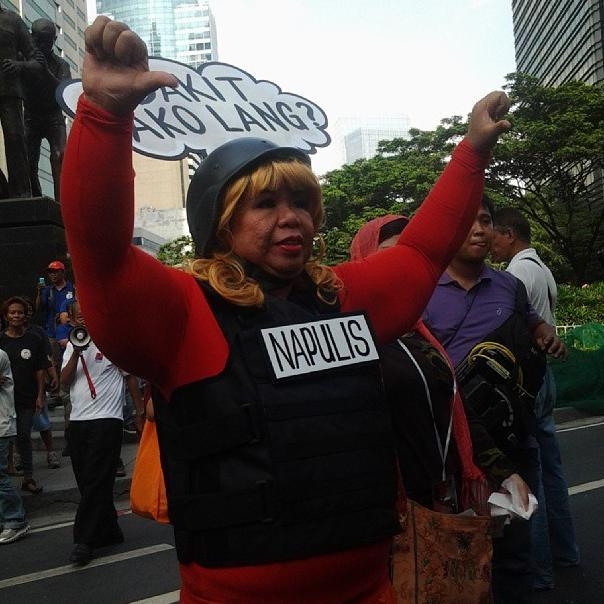 "Juana Change asks, ""Bakit ako lang?"" (Photo by J. Ellao / Bulatlat.com)"