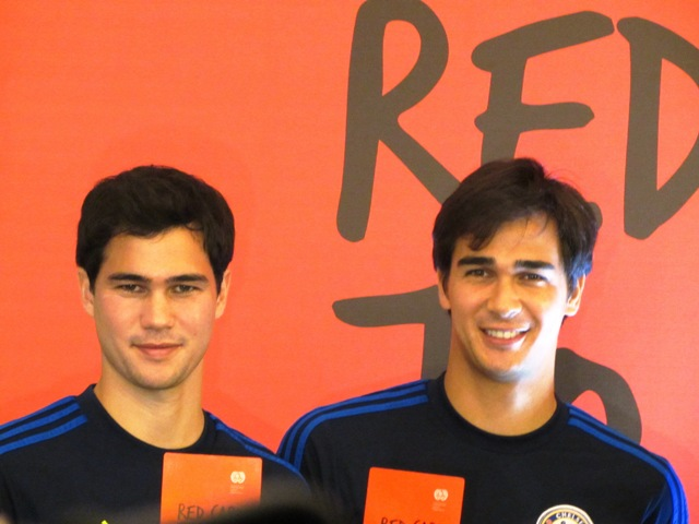 L to R: Footballers Phil and James Younghusband happy to help train in football former childworkers. (Photo by Marya Salamat / www.bulatlat.com)