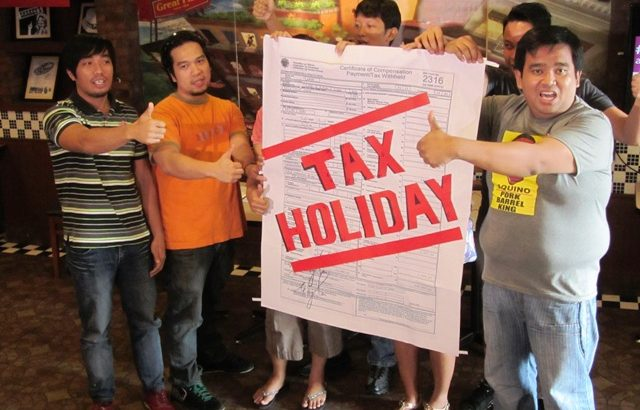 Amid pork barrel scams, call center employees bat for tax holiday, relief