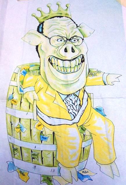 """Noynoy effigy as """"Pork Barrel King"""" on the drawing board Nov 29, 2013"""