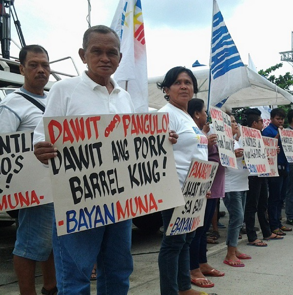 Anti-pork activists hold protest action in front of Senate office in Pasay City (Photo by J. Ellao / Bulatlat.com)