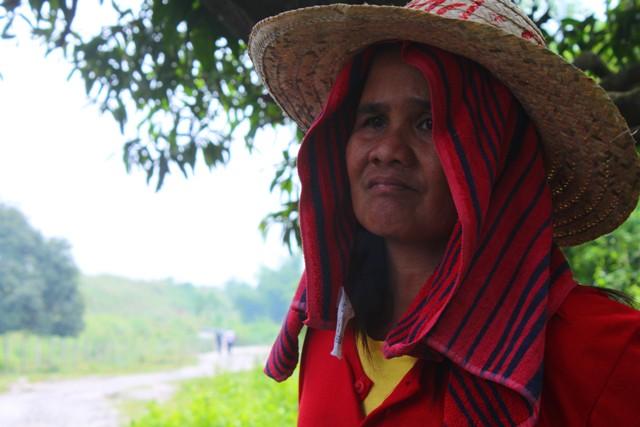 One of the women farmers of Hacienda Dolores. (Photo by Ronalyn V. Olea / Bulatlat.com)