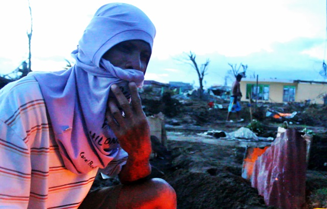 Arman Lebria, survivor of Typhoon Yolanda, says he will search for his missing wife Julie. (Photo by J. Ellao / Bulatlat.com)