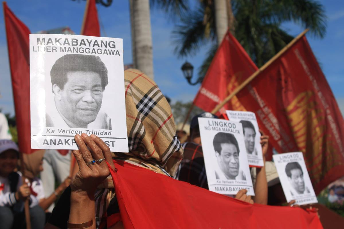 Workers give tribute to labor leader and organizer Verleen Trinidad (Southern Tagalog Exposure photo / bulatlat.com)