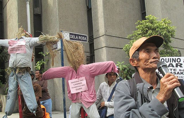 Luisita farmers storm Cojuangco-Aquino offices