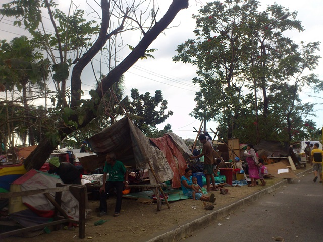 Residents stay in makeshift tents after their houses were demolished last January 27. (Photo by Janess Ann J. Ellao / Bulatlat.com)