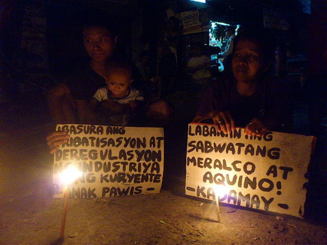 North Triangle residents say proposed power rate hikes is anti-poor. (Photo by J. Ellao / Bulatlat.com)