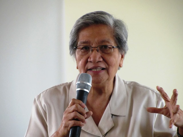 Sr Emelina Villegas urges workers to maintain links with the religious groups (Photo by M. Salamat, April 2013, Sto. Domingo Church, QC / Bulatlat.com)