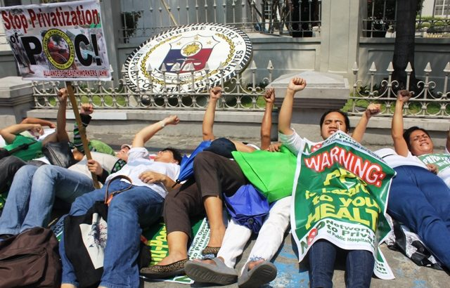 Health workers, mothers troop to Fabella hospital, Supreme Court