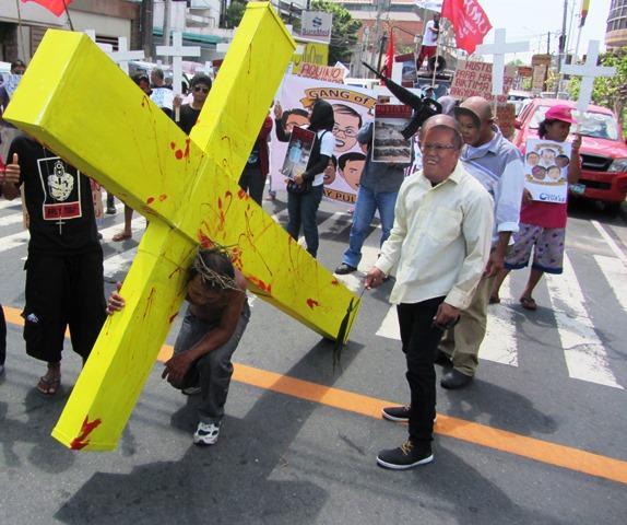 Yolanda survivors' procession to Times St.