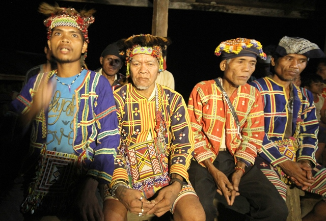 We want peace but if they take away our land, we will fight with our native weapons. (From left: Datus Tungig, Guibang, Doluman and Sunpa. )