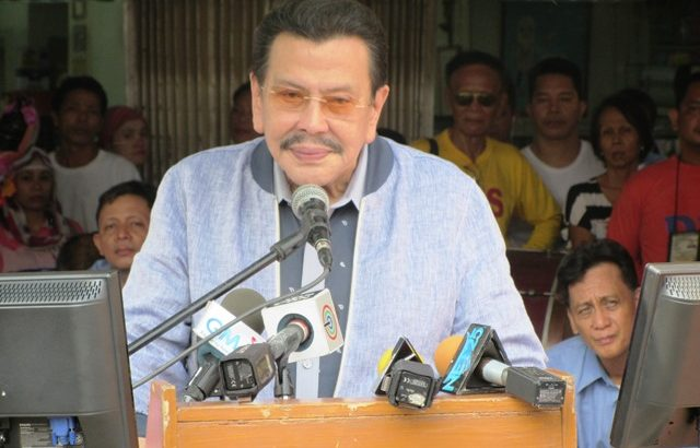 Erap pays homage to Ka Bel