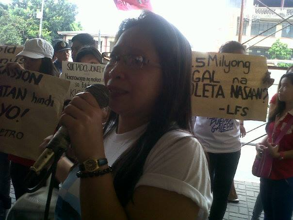 Jocelyn Angeles, mother of Teddy James Angeles speaking at the protest action in front of Earist, May 23. (Photo from Christian Yamzon/ Bulatlat.com)