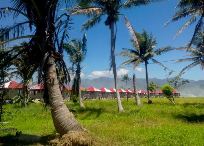 Mga bahay sa loob ng resettlement area sa Bgy. Esteves (Photo courtesy of C. Bautista / Bulatlat.com)