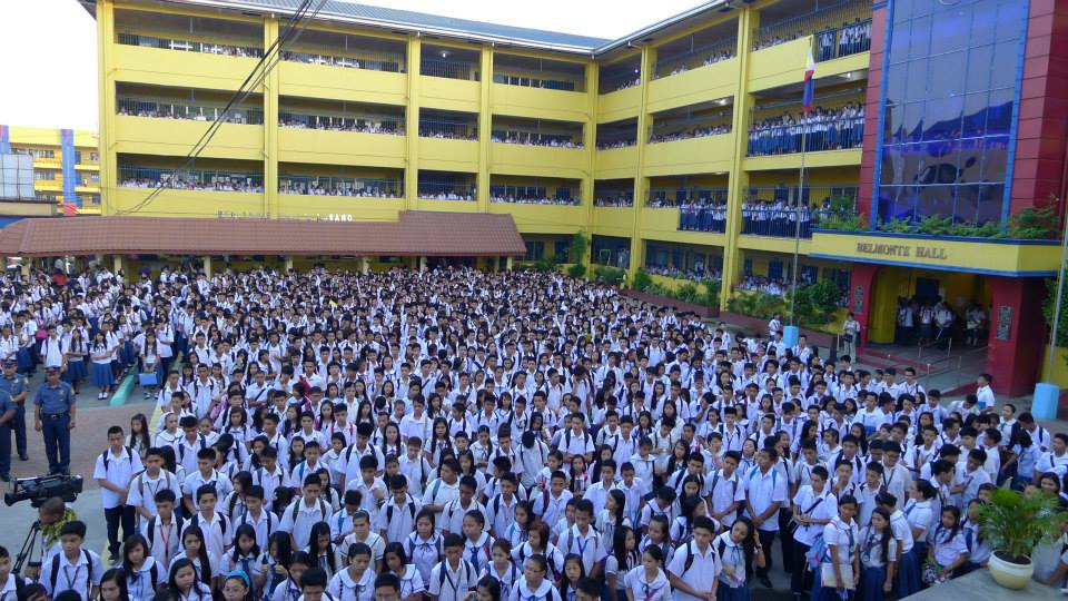 School opening at Batasan Hills National High School. (Photo from ACT Teachers' Partylist/ Bulatlat.com)