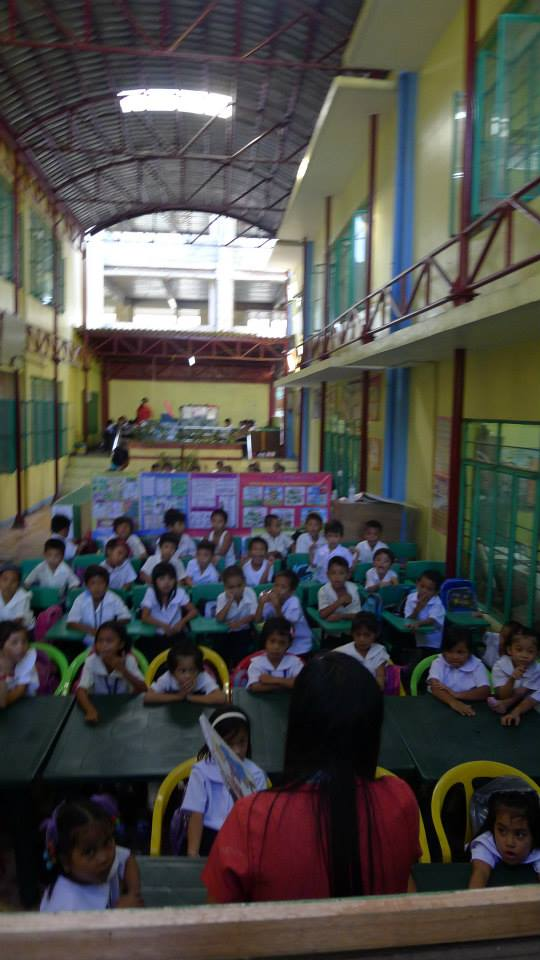 Makeshift classroom at Payatas B Elementary School. (Photo from ACT Teachers' Partylist/ Bulatlat.com)