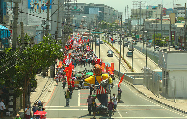 Farmers hit proposed extension of agrarian reform law, call for Aquino's ouster