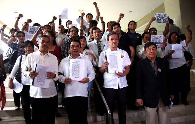 First impeachment complaint filed against Aquino