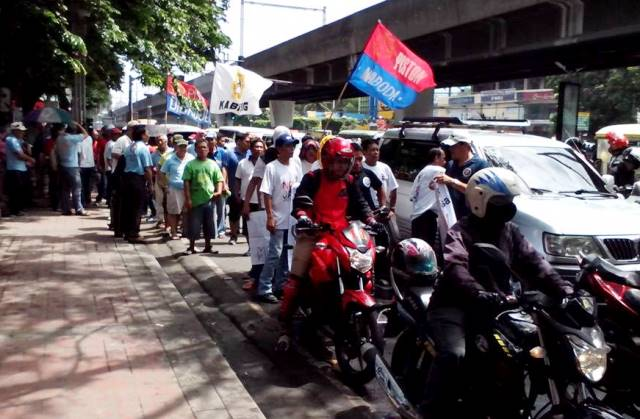 Drivers preparing to march to Supreme Court (Screengrab from Kabisig  Bus Transport Facebook Photos)