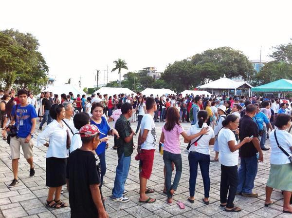 Long lines to #SignUpvsPork in Cebu City  (Photo by Pinoy Weekly)
