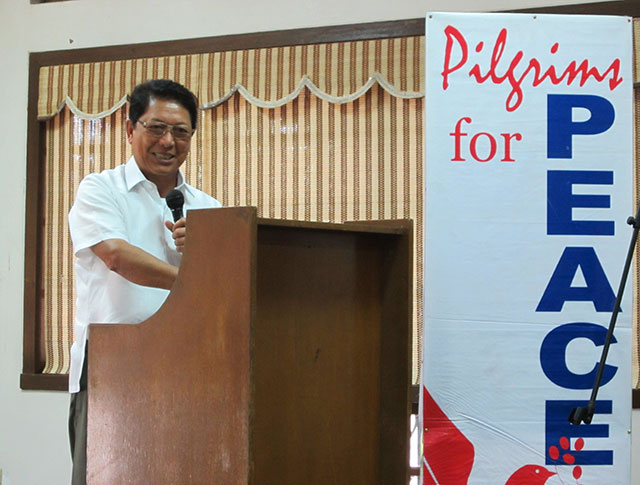 Former government peace panel chairman Silvestre Bello III calls on the Government of the Philippines (GPH) and the National Democratic Front of the Philippines (NDFP) to honor the The Hague Joint Declaration of 1992 in a forum, Sept. 1 at the University of the Philippines. (Photo by Ronalyn V. Olea/ Bulatlat.com)