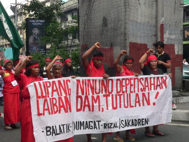 BULATLAT FILE PHOTO: Dumagats join the Mendiola protest  against mega-dams in September 2014 (Photo by Dee Ayroso / Bulatlat)