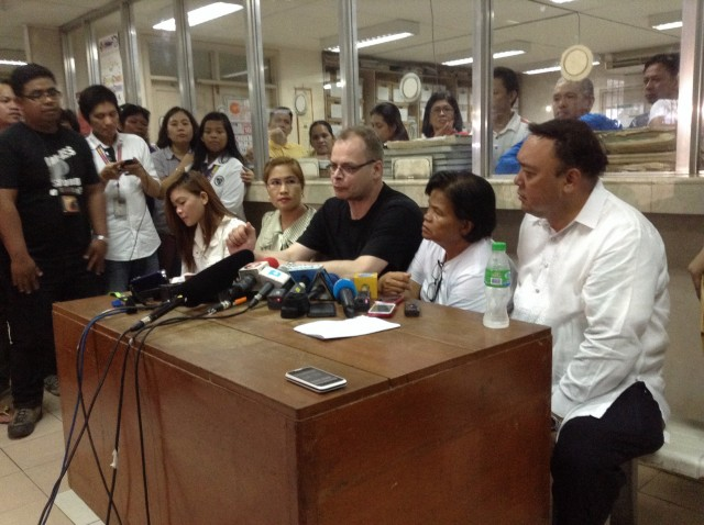 Laude's fiance urges the Philippine government to stand up for its people. (Photo by J. Ellao / Bulatlat.com)
