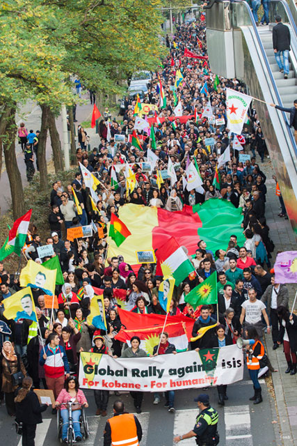 In The Hague, thousands join global action against ISIS