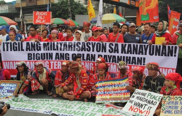 Soldiers forcing Lumad chieftains to join paramilitary group